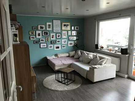 Gepflegte 3-Zimmer-Wohnung mit Balkon in Lind, Köln