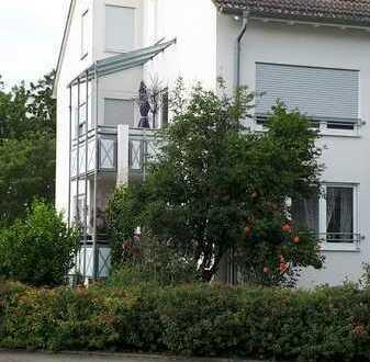 Ansprechende 3-Zimmer-Wohnung mit Balkon und EBK in Ummendorf