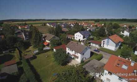 Auf großem Grund: Ein-/Zwei-Familien-Haus in Weil b. Landsberg am Lech, 140m² Wohnfläche, 6-7 Zimmer