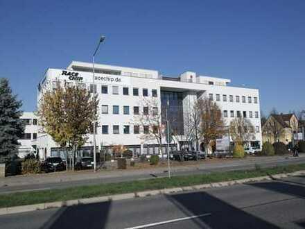 Top-Standort an der B10! 185 m² im Immelmannzentrum.