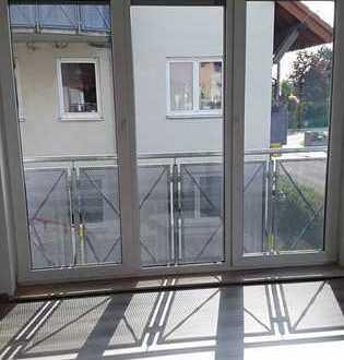 2 Raum Wohnung, Einbauküche, Balkon, Keller, TG-Stellplatz in Dresden