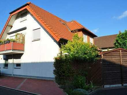 Gepflegte Maisonette-Wohnung mit Carport und Balkon