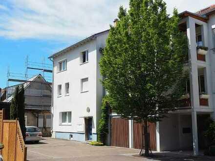 Wohnhaus mit 4 Wohneinheiten, Werkstatt Garten- und Hoffläche