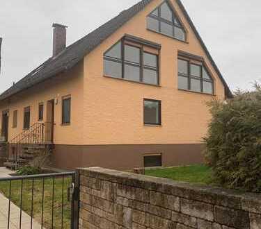 Schöne, geräumige Doppelhaushälfte in ruhiger Lage in Waldnähe