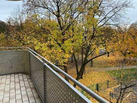 Provisionsfreie - vollständig renovierte 4-Zimmer-Wohnung zum Kauf in Milbertshofen, München