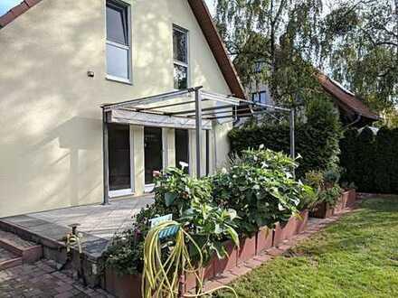 Schönes, geräumiges Haus mit drei Zimmern in Berlin, Staaken (Spandau)