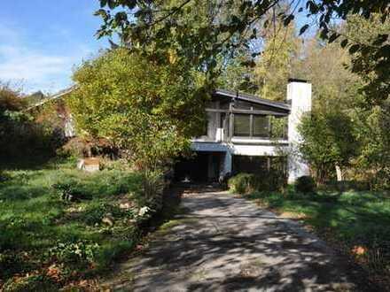 Großzügiges Haus mit 3 Wohneinheiten in parkähnlicher Anlage