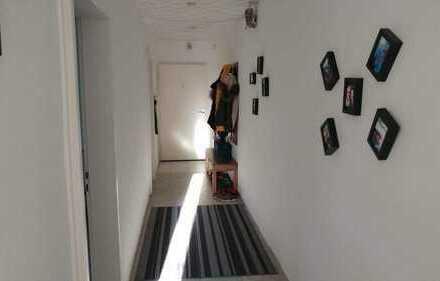 Gepflegte 3-Zimmer-Wohnung mit 2 Balkonen und Einbauküche