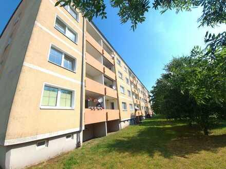 Erstbezug nach Sanierung - 2 Zimmer Wohnung mit Balkon im Grünen
