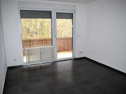 Vollständig renovierte 2-Zimmer-Wohnung mit Balkon in Bensheim
