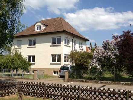 Schönes Familien-Wohnhaus mit acht Zimmern in Zollernalbkreis, Balingen-Frommern