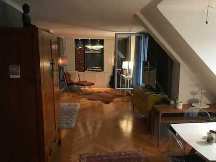 Schöne und schicke 135qm-große möblierte Wohnung nah an der Maximiliamstr. im Lehel