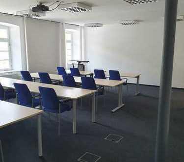1.270 m² Provisionsfrei: Attraktive Büroflächen mit Schulungsräumen mit guter Verkehrsanbindung