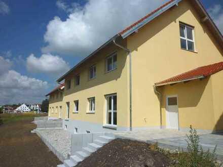 Ch.Schülke-Immobilien; Nandlstadt, Neuwertige Doppelhaushälfte mit hochwertiger Ausstattung, Garage