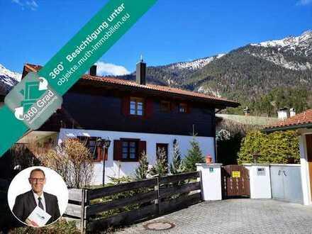 Freistehendes Zweifamilienwohnhaus in Grainaus sonnigster Lage. 702 m² Grund, Sackgasse, 3 Garagen.