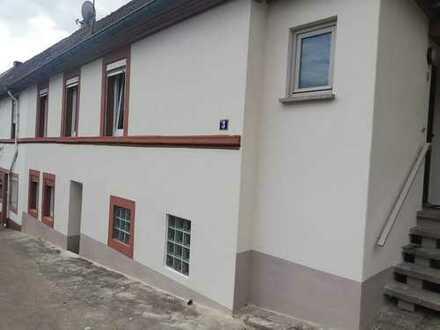 Kleines Häuschen mit 3,5 Zimmern in Südliche Weinstraße (Kreis), Annweiler am Trifels