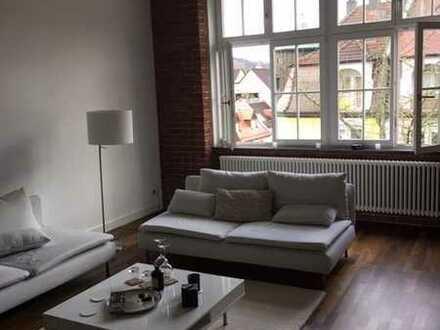 Exklusive, geräumige und neuwertige 2-Zimmer-Loft-Wohnung mit Einbauküche in Baden-Baden