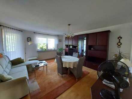 3- Zimmer- Wohnung mit tollem Schnitt, Balkon und Tiefgaragenstellplatz
