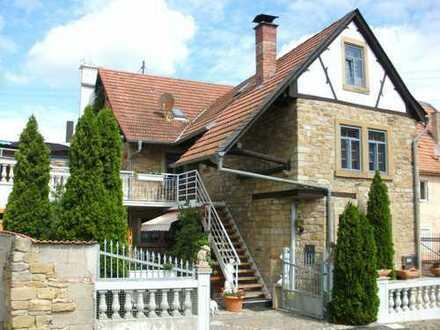 Stilgerecht saniertes, nostalgisches Wohnhaus in Rehborn
