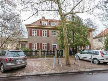Doppelhaushälfte mit sechs Zimmern in Berlin-Steglitz nahe Breitenbachplatz