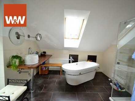 WOW - Sehr schönes Zweifamilienhaus -perfekt für 2 Generationen in Seenähe, großes Grundstück !!