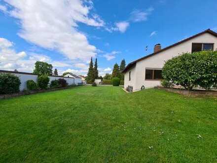 Saniertes Einfamilienhaus mit großem Garten in Bobingen