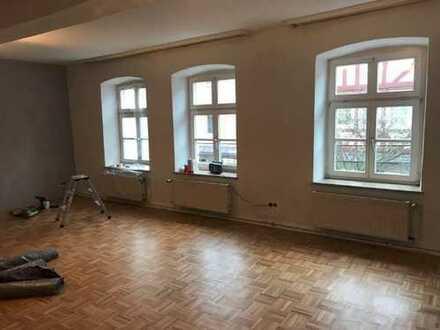 attraktive, gepflegte 2 ZKB mit zwie zusätzlichen Balkonen in Innenstadt Sontra zu vermieten