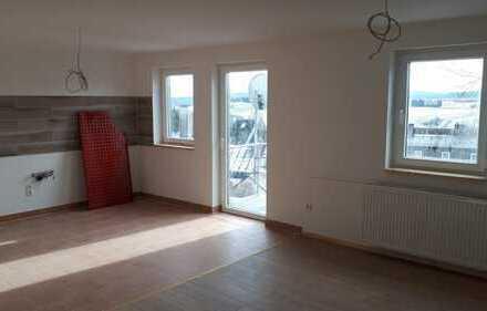 Erstbezug nach Sanierung: attraktive 4-Zimmer-Maisonette-Wohnung mit Balkon in Bad Steben