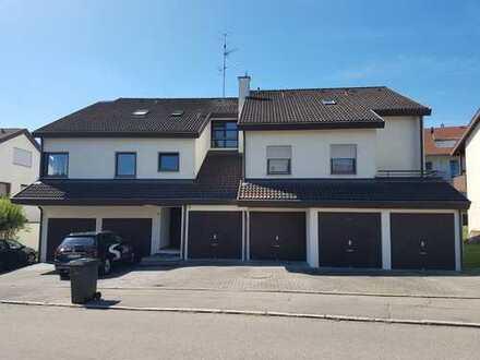 Exklusive, modernisierte 2,5-Zimmer-Erdgeschosswohnung mit Terrasse und Garage/Stellpl in Metzingen