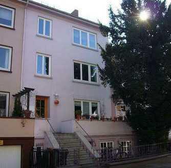 Gepflegte, helle und geräumige 2-Zimmerwohnung, 64 qm, Neustadt, Flüsseviertel