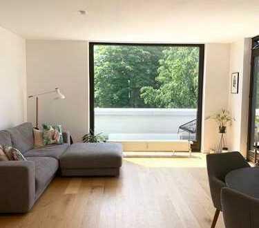 Lichtdurchflutete, sanierte 2-Zimmer Penthouse-Wohnung in ruhiger Lage von Eppendorf/Groß Borstel