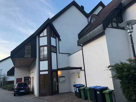Helle, großzügige 3,5 Zimmer Wohnung mit Balkon in Bodelshausen bei Tübingen