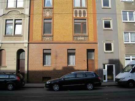 Günstige, gepflegte 3-Zimmer-DG-Wohnung zur Miete in Essen