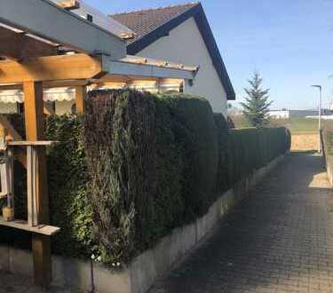 Backnang-Heiningen: Attraktives Einfamilienhaus in Traumlage sucht neuen Hausherren!