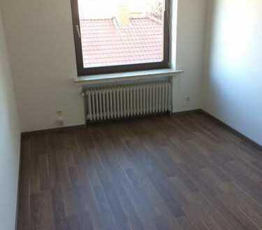 Günstiges und renoviertes Zimmer in 3er-WG