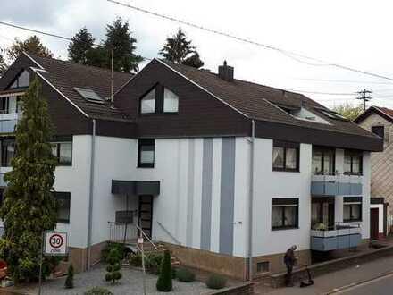Erstbezug nach Sanierung: freundliche 4-Zimmer-Erdgeschosswohnung mit Balkon in Hülzweiler