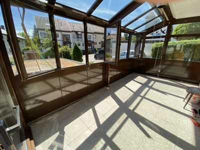 Stilvolle 3-Zimmer-Wohnung mit Terrasse , Wintergarten und Garage in Kernen