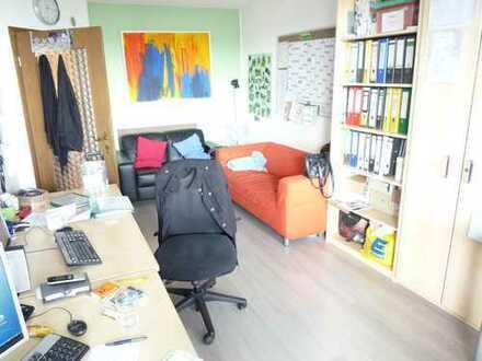OlyDorf: Gut vermietetes 2-Zimmer-Büro zum Kauf, 52 m², Rendite 2,8 %!