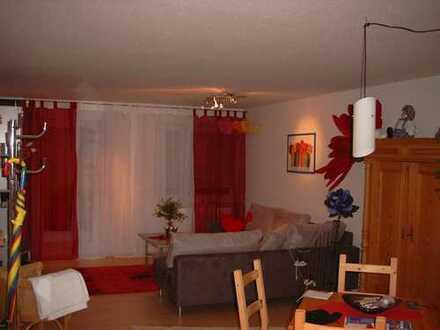 Gepflegte 2-Zimmer-Wohnung mit Terrasse und EBK in Reutlingen