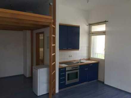 Gepflegte 1-Zimmer-EG-Wohnung mit Einbauküche in Herrenberg-Oberjesingen