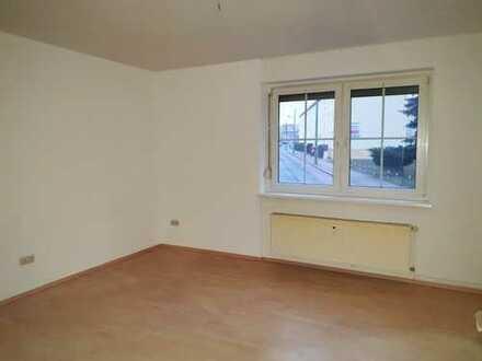helle, freundliche 3-Raum-Wohnung zu vermieten