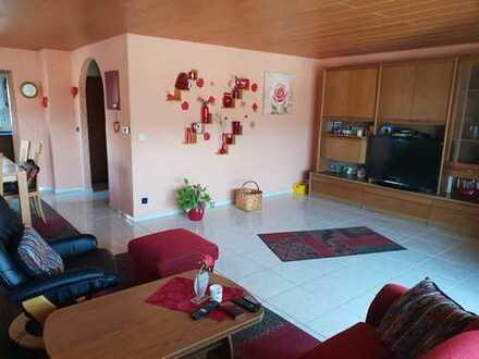 Gepflegtes 2 Familienhaus in guter Wohnlage