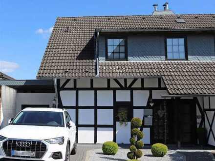 Top gepflegte Doppelhaushälfte in schöner Aussichtslage von Morsbach-Lichtenberg