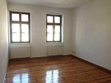 Kleine Wohnung in Theaternähe mitten im Stadtzentrum, mit Echtholzdielen und Bad mit Dusche!