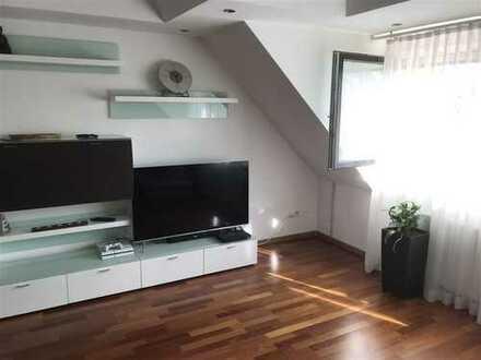 Exklusiv ausgestattete 4-Zimmer- Maisonette-Wohnung, inkl. Stellplatz, S-Bahn-Nähe!