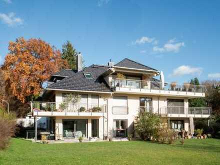 Elegante Dachterrassen-Maisonette Wohnung mit Bergblick
