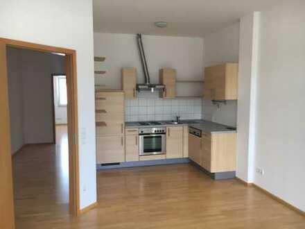 Schöne, geräumige zwei Zimmer Wohnung in Esslingen