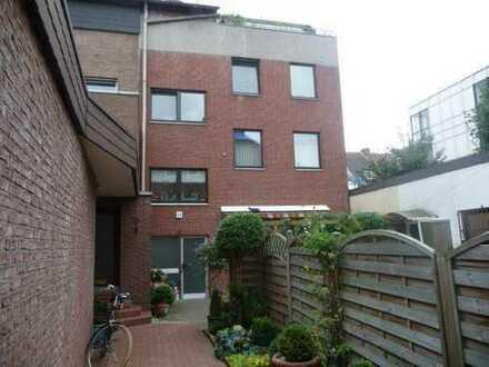2-Zimmer DG-Wohnung mit Dachterrasse in Wesel zu vermieten