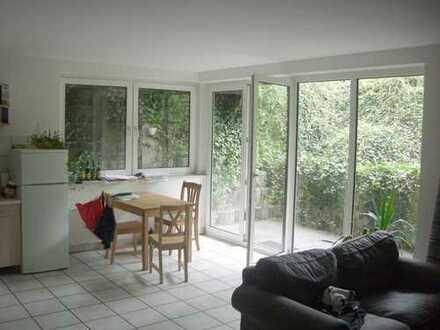 Erftstadt-Liblar, 1,5-Zimmersouterrainwohnung mit Terrasse