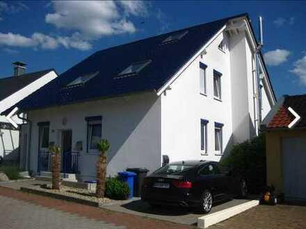 Wunderschöne, ruhige, idyllische Feldrand-Wohnung, 3ZKB mit EBK